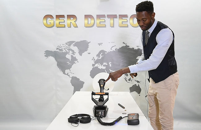 Gold seeker with Pulse Induction System - natural gold detector